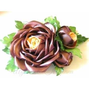 Розы из широких и узких атласных лент